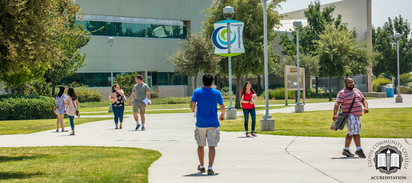 students on the Clovis Campus